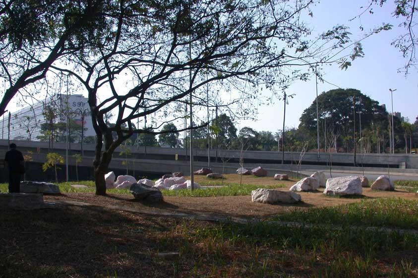 Parque das Cores do Escuro (2003)